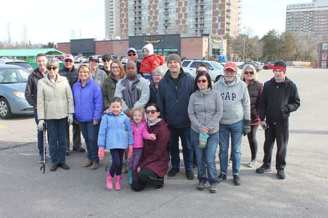 Volunteers at Park Royal Community Clean UP 2018
