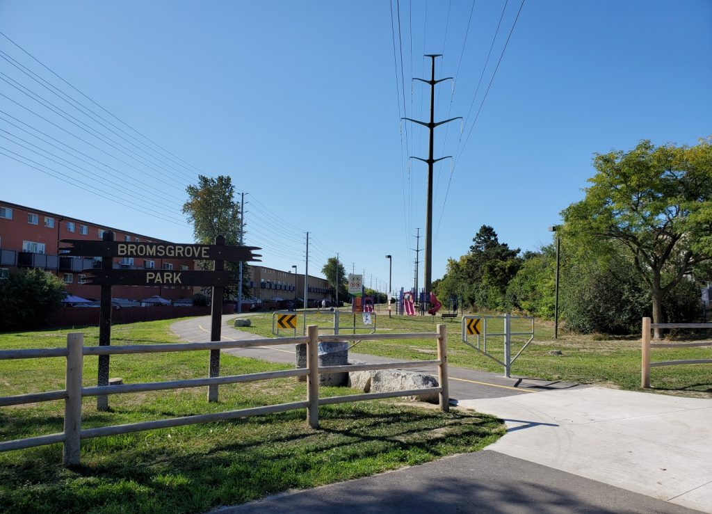 Trail entrance by Bromsgrove Park